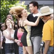 Quand Kylie Minogue danse avec le beau Mario Lopez... Qu'en pense son chéri ?