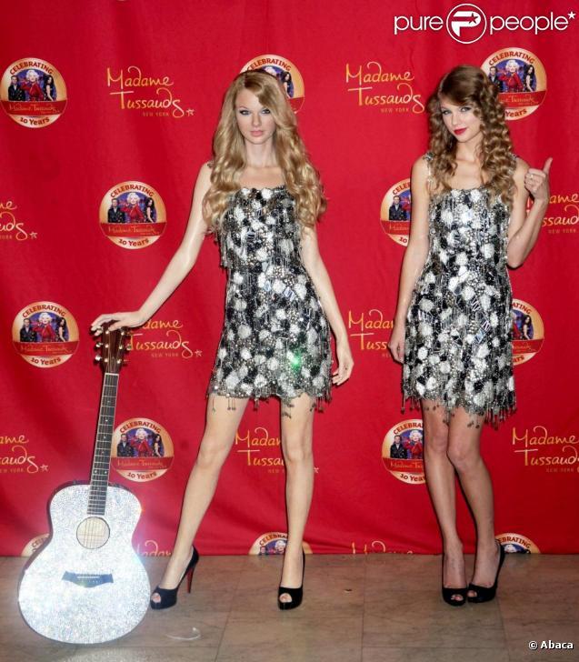 Taylor Swift assiste à la présentation de sa statue de cire, au musée Madame Tussauds à New York, mercredi 27 octobre.