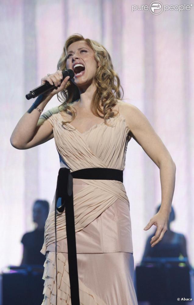 Lara Fabian à Kiev le 28/10/10 lors d'un concert somptueux