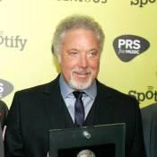 Tom Jones : Toujours sémillant, il est récompensé par Tim Burton et son Helena !