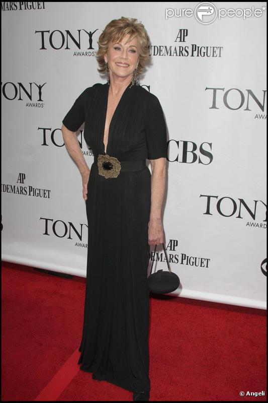 jane fonda l 39 actrice am ricaine d voile qu 39 elle a souffert d 39 un cancer purepeople. Black Bedroom Furniture Sets. Home Design Ideas