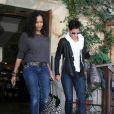 Halle Berry déjeune à Beverly Hills avec son amie l'actrice Garcelle Beauvais, mercredi 10 novembre.