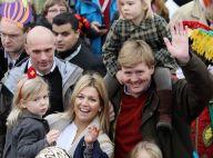 Maxima des Pays-Bas s'émerveille avec ses trois princesses... Un air de Noël !
