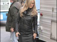 Look cuir : Jennifer Aniston et Malin Akerman s'affrontent sur le ring !