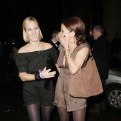 Quand Zara Phillips s'éclate non loin de la plantureuse Kelly Brook !