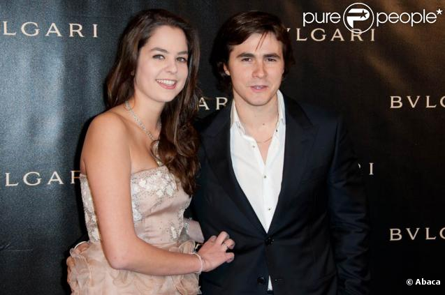 Anouchka Delon et son amoureux Julien plus in love que jamais. Soirée Bulgari au Grand Palais le 9 décembre 2010