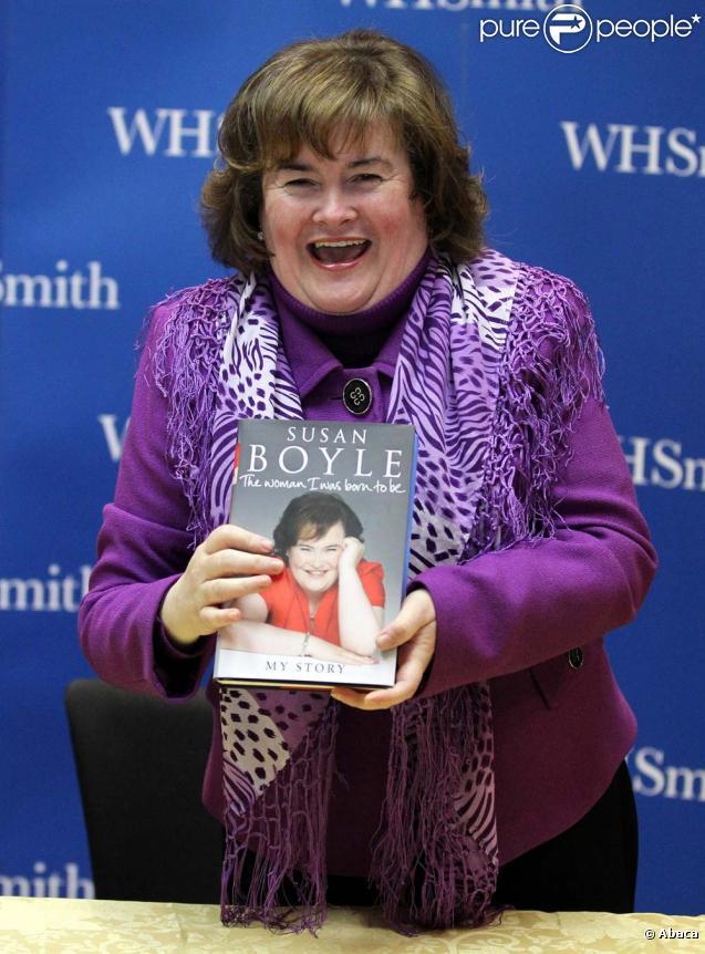 Susan Boyle signe son livre à Glasgow, le 13 décembre 2010