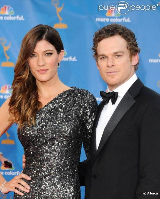 Michael C. Hall et sa femme Jennifer Carpenter posent lors des Emmy Awards en septembre 2009
