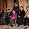 Remise de médailles au ministère de la culture, le 14 décembre 2010 à Paris : Benoîte Groult, Irène Frain, Vénus Khoury-Ghata, Anne Golon et Maurice Denuzière - et l'éditrice Nicole Lattès et Frédéric Mitterrand