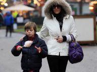 Quand Liz Hurley profite de son fils, son amant s'éclate et son mari sombre...