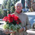 Frédéric von Anhalt achète une plante à Zsa Zsa Gabor en novembre 2010 à Los Angeles