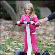 Heidi Klum, Seal et leurs enfants dans un parc de Beverly Hills le 26 décembre 2010 : Leni, 6 ans, s'éclate comme une petite folle !