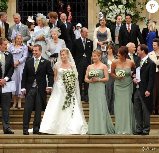 Autumn et Peter Phillips ont fait de la reine Elizabeth II, mercredi 29 décembre 2010, une heureuse arrière-grand-mère ! La petite fille venue au monde se prénomme Savannah.