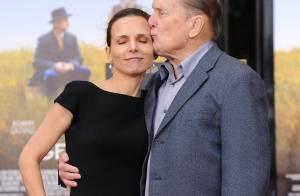 Robert Duvall : A 80 ans, il est honoré avec sa jeune bien-aimée et ses amis !