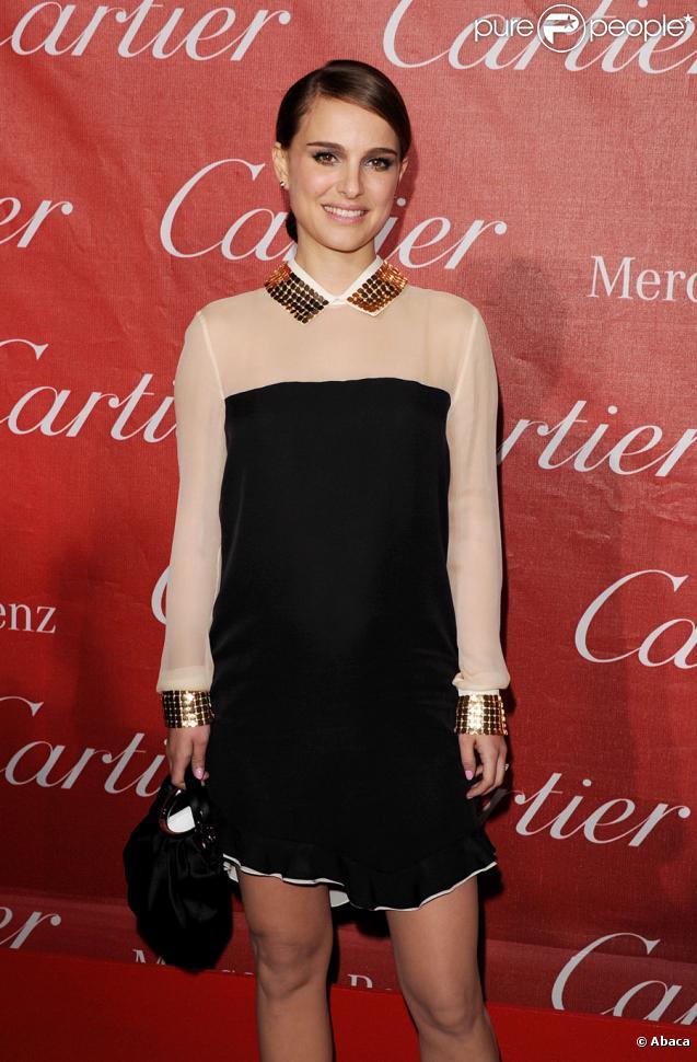 Natalie Portman arbore une belle bague de fiancée lors du festival international du film de Palm Springs le 8 janvier 2011