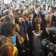 Carla Bruni et Nicolas Sarkozy en visite officielle en Guadeloupe le 8 janvier 2011 : bain de foule au programme