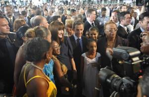 Carla et Nicolas Sarkozy : Leur bain de foule aux Antilles !