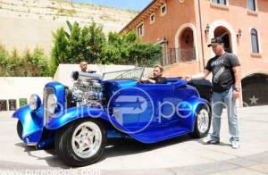 PHOTOS: Johnny Hallyday fou de sa  nouvelle...Hot Rod !