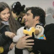 "Patrick Fiori : Un papa qui s'illustre dans le clip de ""L'instinct masculin"" !"