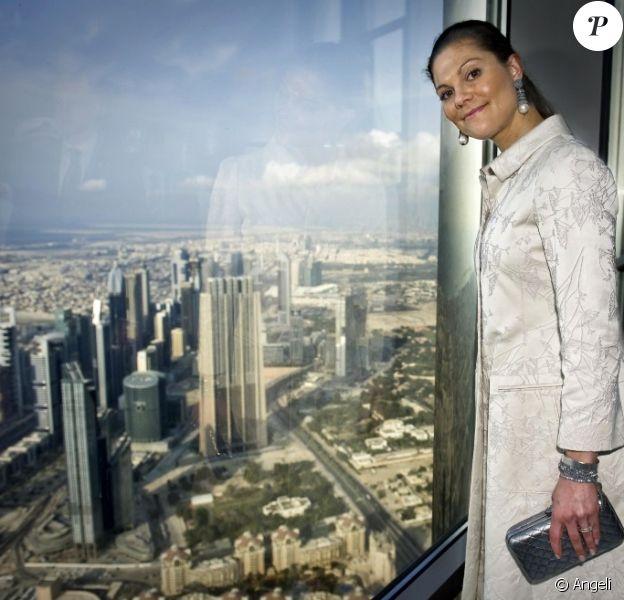 Victoria de Suède visite la Burj Khalifa à Dubaï le 20 janvier 2011