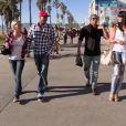 Amélie, John-David, Senna et Astrid se promènent dans Les Anges de la télé-réalité