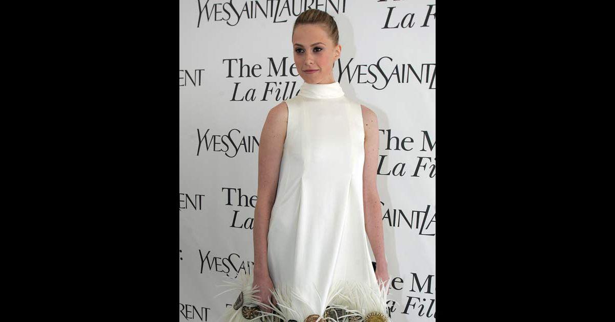 Elletra Rossellini Wiedemann à la première de La Fille du ...