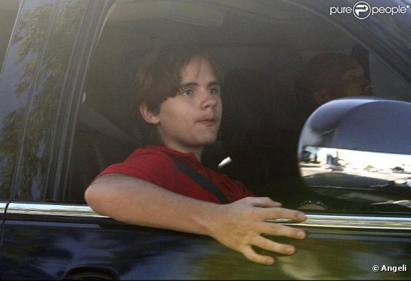 Michael Jackson: Seu filho, o Príncipe, um adolescente sonhador que gosta de diversão 555371-prince-michael-fils-du-defunt-michael-0x414-1