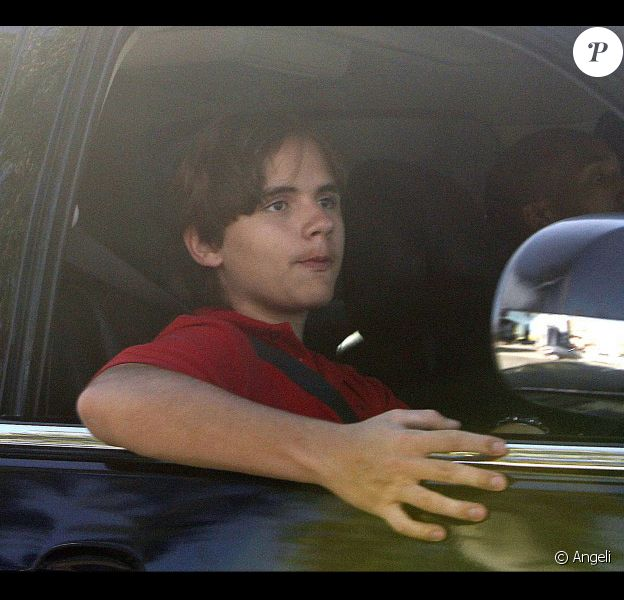 Prince Michael, fils du défunt Michael Jackson, en voiture dnas les rues de Los Angeles le 28 janvier 2011