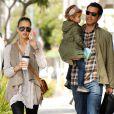 Jessica Alba et sa jolie famille profitent de leurs derniers mois à trois avant l'arrivée de bébé. Lors d'une balade à L.A le 19 février 2011