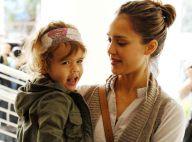 Jessica Alba enceinte : Collée à son mari, une tendre balade avec leur poupée !