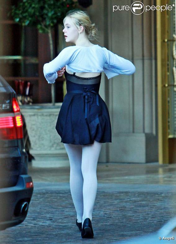 Elle Fanning à Beverly Hills le 10 février 2011