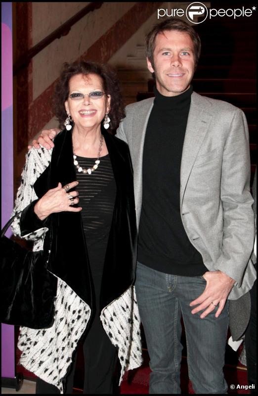 Claudia Cardinale et Emmanuel Philibert de Savoie lors de la présentation du téléfilm Frères d'Italie pour Arte le 28 février 2011 à Paris