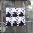 Les affichettes placardées près du restaurant parisien où John Galliano aurait tenu des propos antisémistes et racistes. Photos prises le mecredi 2 mars 2011.