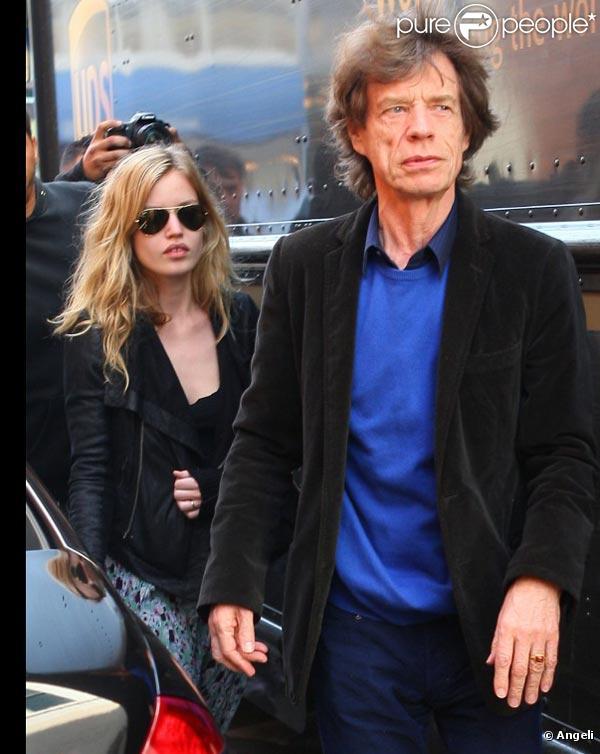 Mick Jagger et sa fille Georgia May Jagger passent la journée ensemble, à Los Angeles, le 24 février 2011.