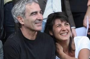 PHOTOS : Estelle Denis et Raymond Domenech, trés amoureux au Parc des Princes...