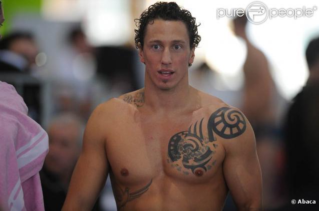 Les championnats de France de natation 2011 se sont ouverts le 23 mars à Strasbourg. Frédérick Bousquet a conservé son titre sur 100 m pap', coaché pour l'occasion par Romain Barnier.