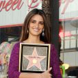 Penélope Cruz reçoit son étoile sur le fameux Walk of Fame sur Hollywood Boulevard, le 1er avril à Hollywood.