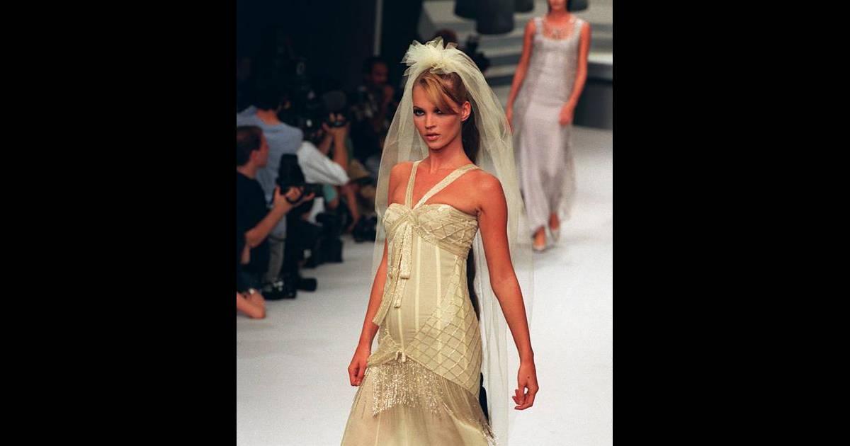 Mariage de kate moss trois possibilit s pour la robe de for Prix de la robe de lazaro