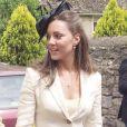 Kate Middleton, qui épousera le prince William le 29 avril 2011, a progressivement affiné, au propre comme au figuré, sa silhouette au cours des années. En juin 2005 au mariage de Hugh Van Custen et Rose Astor, à Burford.