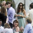 Kate Middleton a affiné sa silhouette au  cours des années. Le 10 juillet 2010 lors d'un match de polo caritatif auquel prenait part William, dans le Gloucestershire.