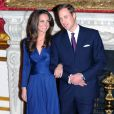 Kate Middleton, qui épousera le prince William le 29 avril 2011, a  progressivement affiné, au propre comme au figuré, sa silhouette au  cours des années. Le 16 novembre 2010 au palais St James, à l'annonce de leurs fiançailles.