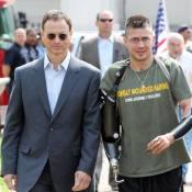 Gary Sinise : l'expert au grand coeur soutient des blessés de guerre...