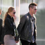 Jim Carrey s'affiche avec une inconnue et une coupe Mohawk : petite crise ?