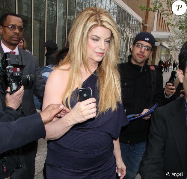 Kirstie Alley, à la sortie de l'enregistrement de l'émission Live with Regis and Kelly, à New York, le 22 avril 2011