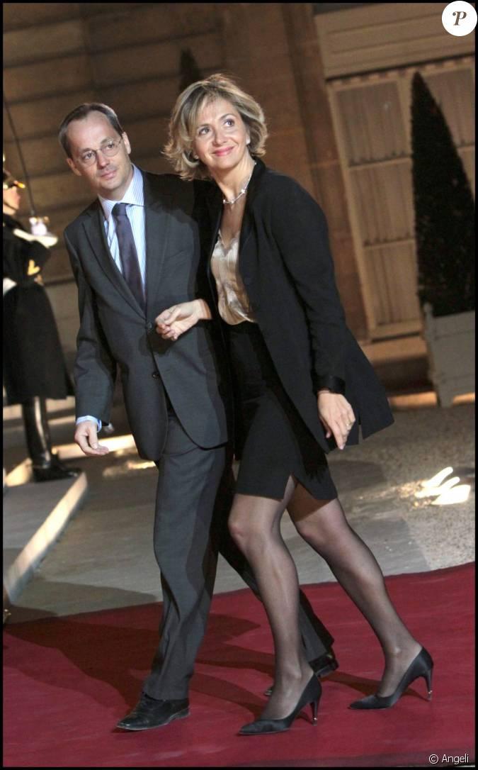 Val rie p cresse et son poux j r me l 39 lys e en mars 2011 - Valerie damidot et son mari ...