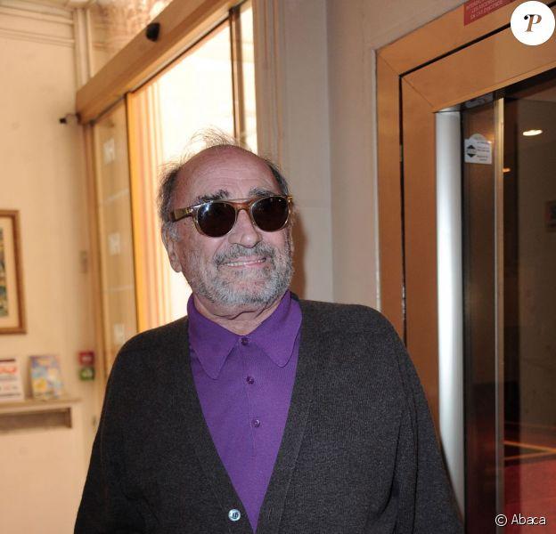 Claude Brasseur assiste à la conférence de presse de La Marseillaise à Petanque, à l'Hôtel Normandy à Paris le 5 mai 2011