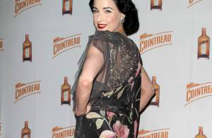 Dita Von Teese : En une journée, d'abord sexy à New York, puis glamour à L.A. !
