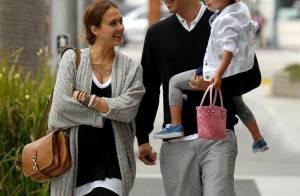 Jessica Alba : Enceinte, elle respire le bonheur avec son mari et leur fille !