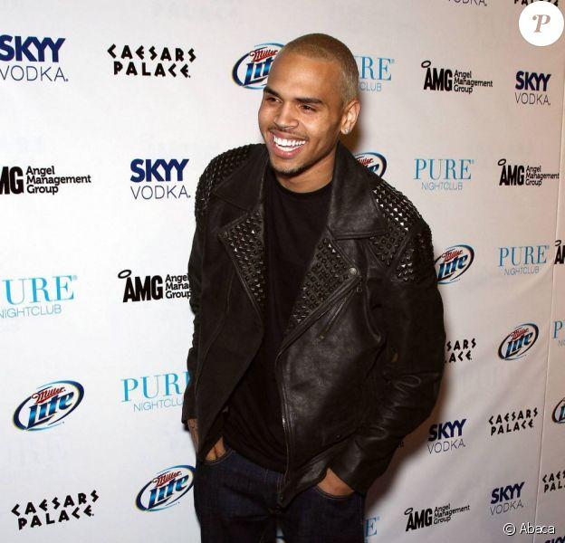 Chris Brown se rend au club Pure, à Las Vegas, samedi 7 mai, pour fêter ses 22 ans.
