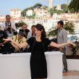 Bérénice Bejo lumineuse lors du photocall de The Artist, de  Michel Hazanavicius, présenté le 15 mai 2011, au festival de Cannes.